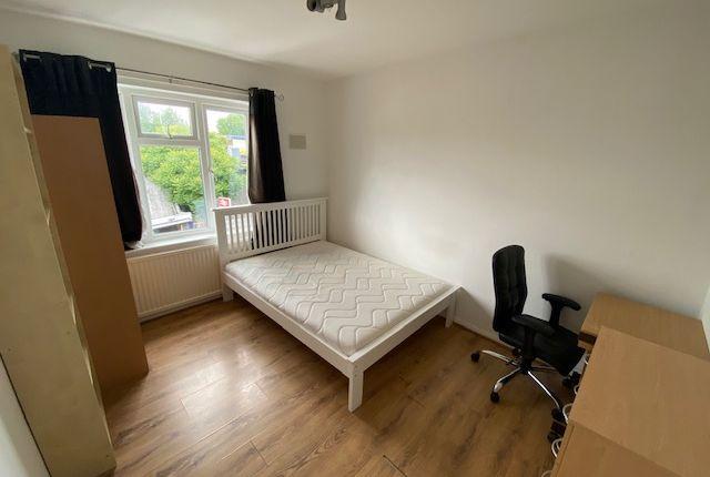 Thumbnail Flat to rent in Camellia Lane, Berrylands, Surbiton