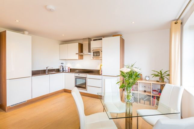 Thumbnail Flat to rent in St. Julian's Avenue, St. Peter Port, Guernsey