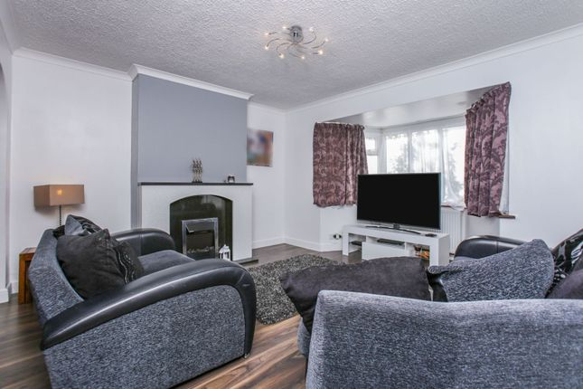Lounge of Harewood Gardens, South Croydon CR2