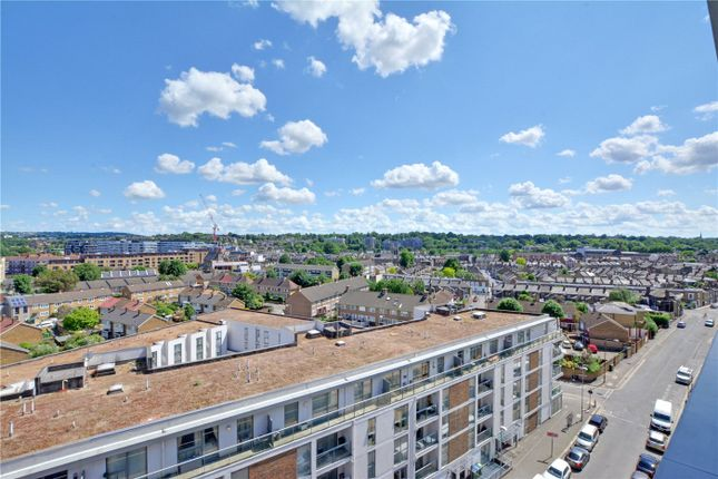Picture No. 11 of Wyndham Apartments, 67 River Gardens Walk, Greenwich, London SE10