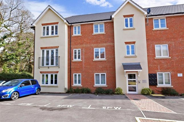 Thumbnail Flat for sale in Brushwood Grove, Emsworth, Hampshire