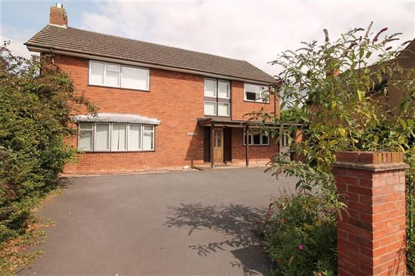 Thumbnail Detached house for sale in Priory Road, Alcester, Alcester, Alcester