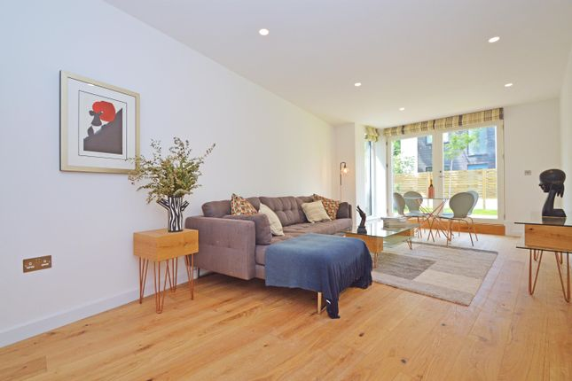 Thumbnail Flat for sale in Andre Street, Hackney