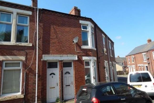 Thumbnail Flat to rent in Devonshire Street, South Shields