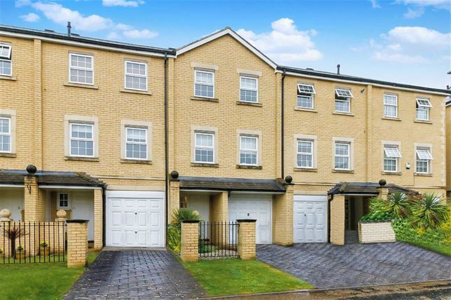 Thumbnail Town house to rent in Mandlebrote Drive, Littlemore, Oxford