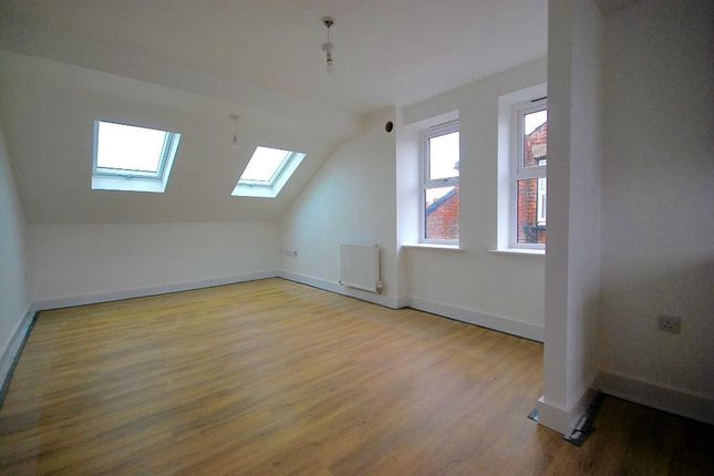 Thumbnail Flat to rent in Osborne Road, Levenshulme, Manchester