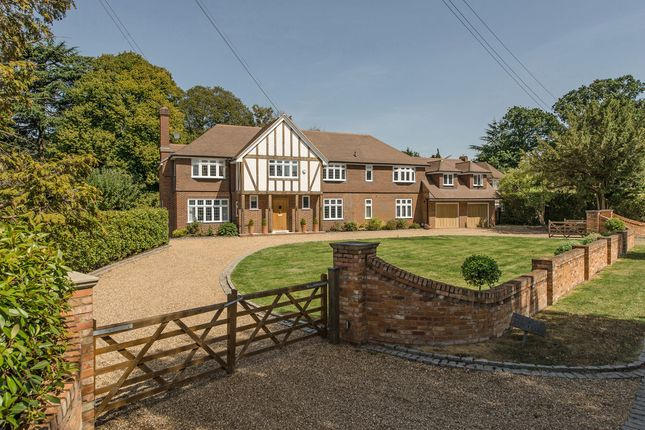 Thumbnail Detached house for sale in Ditton Grange Close, Long Ditton, Surbiton