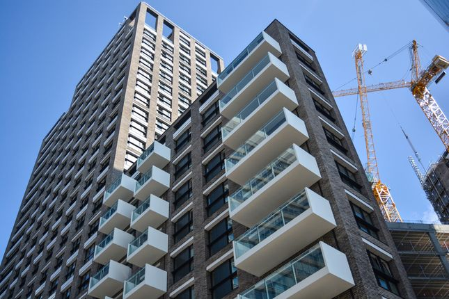 Thumbnail Flat for sale in Aldgate Place, Riga Mews, London