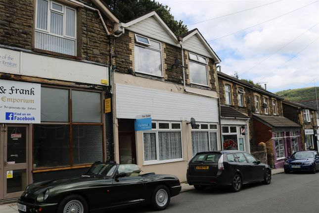 Flat for sale in Tynewydd Terrace, Newbridge, Newport