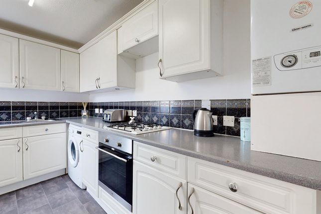 1 bed flat to rent in Montgomery Street, Larkhall, Motherwell ML9