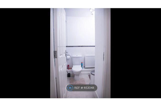Upstairs Bathroom B