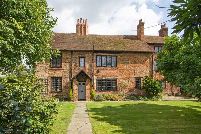 5 bed farmhouse for sale in Hardwick Lane, Lyne, Chertsey