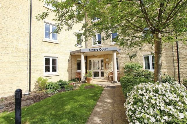 Thumbnail Flat for sale in Priory Mill Lane, Witney