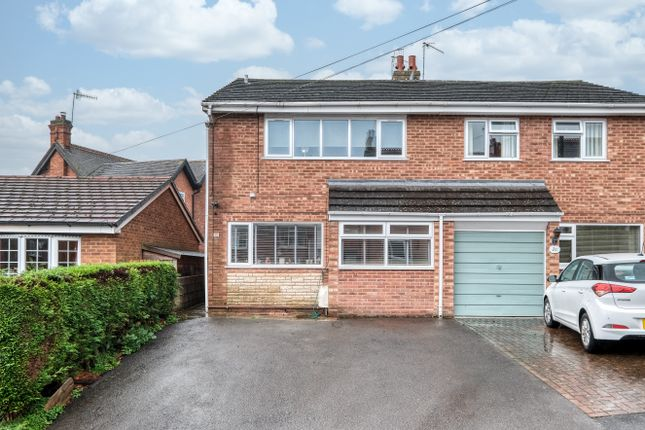 3 bed semi-detached house to rent in Hawthorn Road, Bromsgrove B61