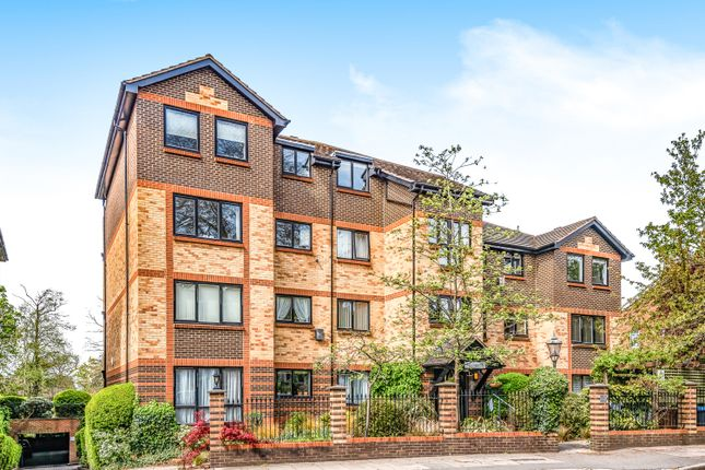 3 bed flat for sale in Blyth Road, Bromley BR1
