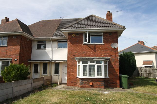 4 bed semi-detached house to rent in Kent Road, Wolverhampton