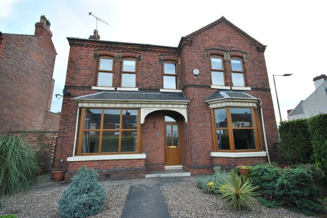 Thumbnail Detached house to rent in Bentley Road, Doncaster