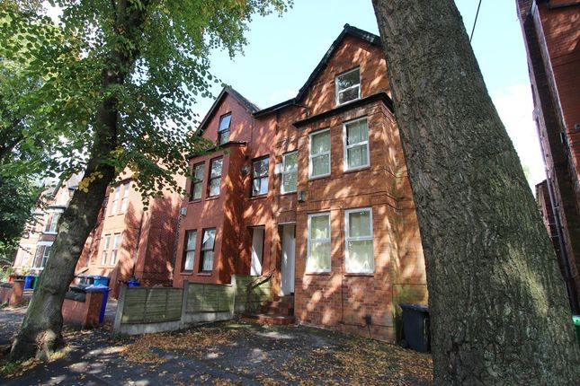 2 bed flat to rent in Chatham Grove, West Didsbury, Manchester M20