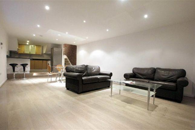 Thumbnail Flat to rent in Belsize Mews, Belsize Village, London