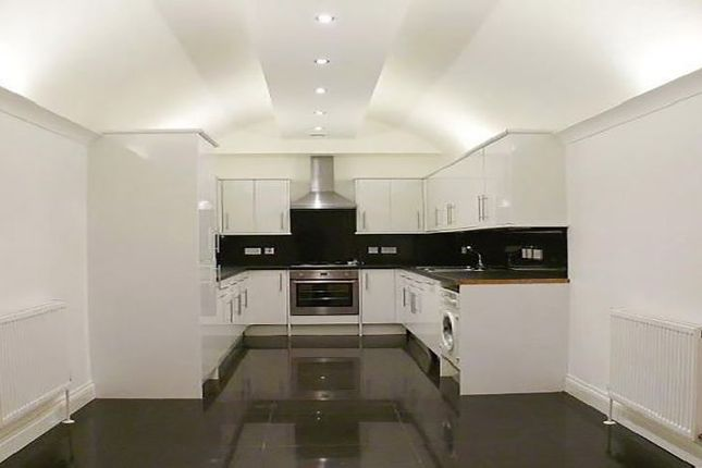 Thumbnail Mews house to rent in Weymouth Mews, London