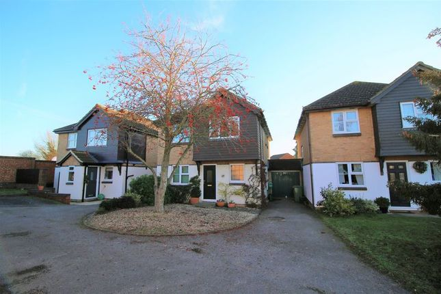 Thumbnail Detached house for sale in Glenham Road, Thame
