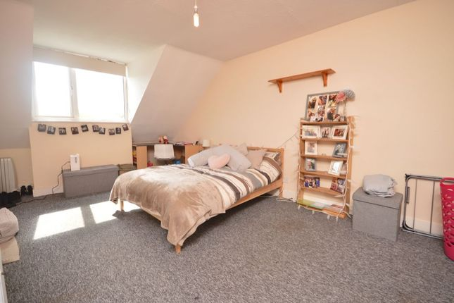 Thumbnail Flat to rent in Robin Hood Way, London