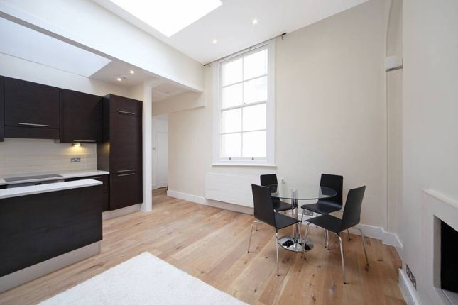 2 bed flat to rent in Cleveland Square, London