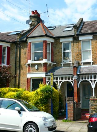 Thumbnail Terraced house for sale in Victoria Road, Alexandra Park