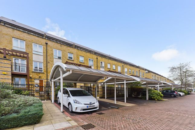 Thumbnail Town house for sale in St. Davids Square, London