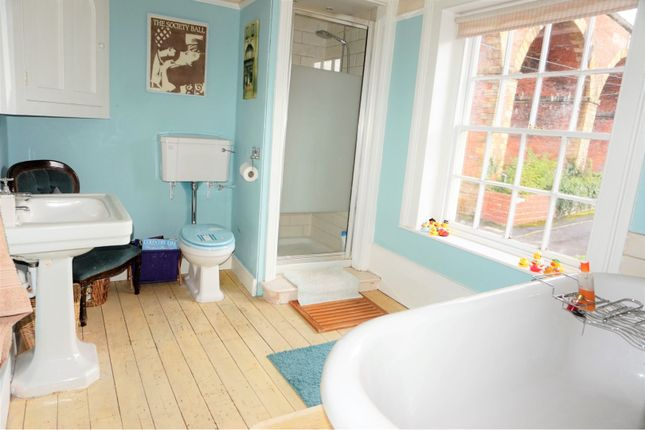 Family Bathroom of Manor House Mews, High Street, Yarm TS15