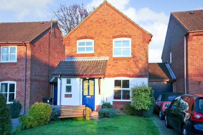 Thumbnail Detached house to rent in Warelands, Hammonds Ridge, Burgess Hill