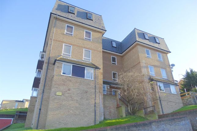 Thumbnail Flat to rent in Clive Road, Belvedere