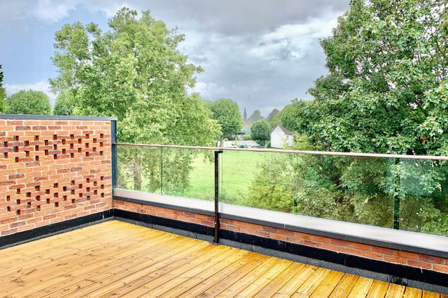 1 bed flat for sale in Whitehorse Road, Croydon CR0