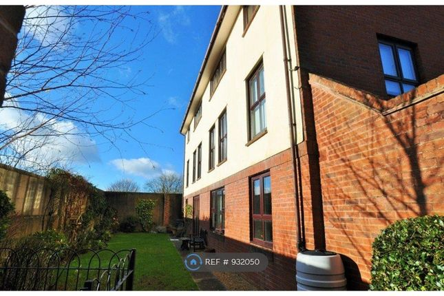 2 bed flat to rent in Beaufort Mews, Wimborne BH21