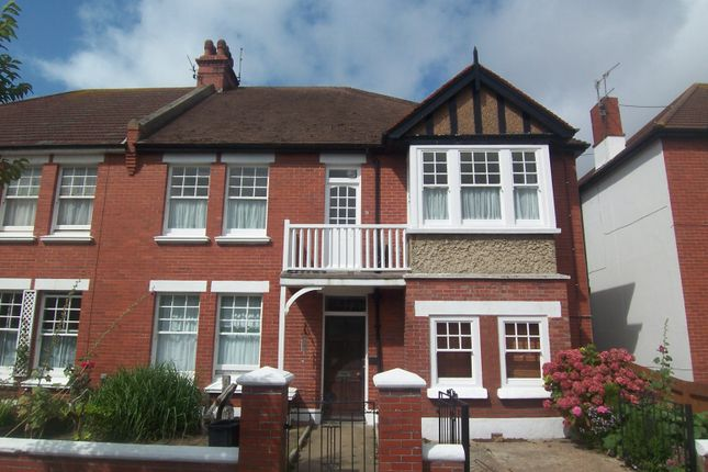 Thumbnail Flat to rent in Langdale Gardens, Hove