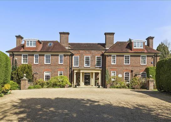 Thumbnail Detached house to rent in South Ridge, Weybridge, Surrey