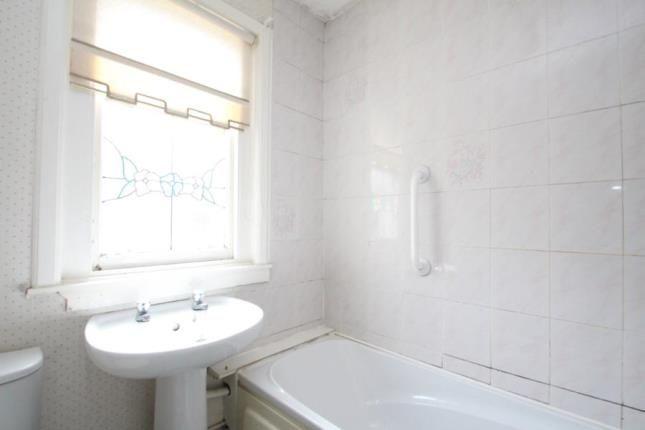 Bathroom of Cromarty Gardens, Stamperland, Clarkston, East Renfrewshire G76