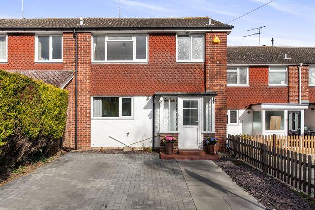 Thumbnail Terraced house for sale in Pembroke Avenue, Maldon