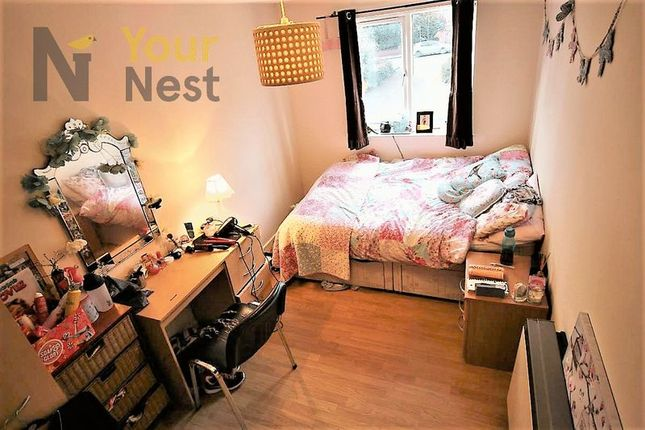 Thumbnail Flat to rent in Flat 3, Cardigan Road, Hyde Park