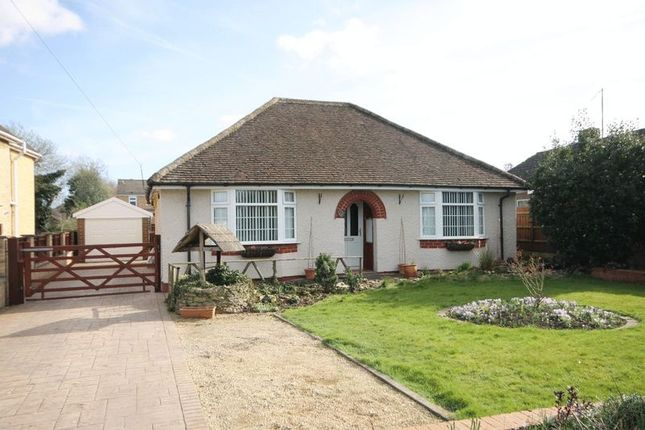 Thumbnail Detached bungalow for sale in High Street, Kidlington