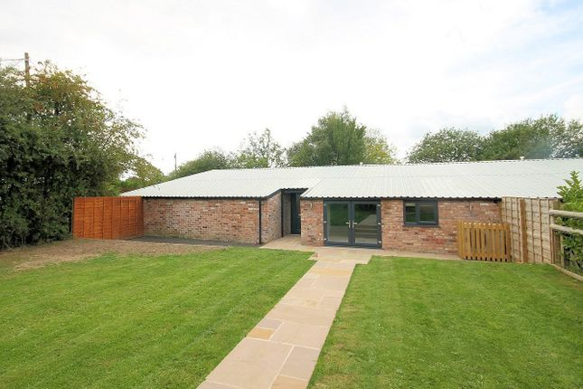 Thumbnail Barn conversion to rent in Barncroft Farm, Woodend Lane, Mobberley