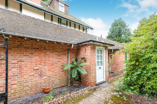 Flat to rent in Winchester Road, Basingstoke