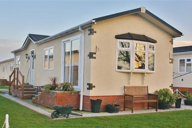 Thumbnail Mobile/park home for sale in Barton Broads Park, Maltkiln Road, Barton-Upon-Humber