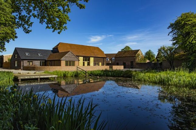 Thumbnail Barn conversion for sale in Buckham Hill, Isfield, East Sussex