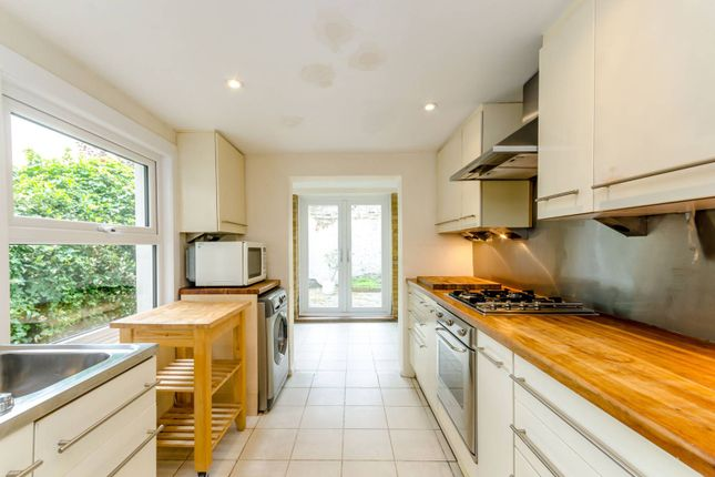 Thumbnail Terraced house to rent in Baring Street, Angel