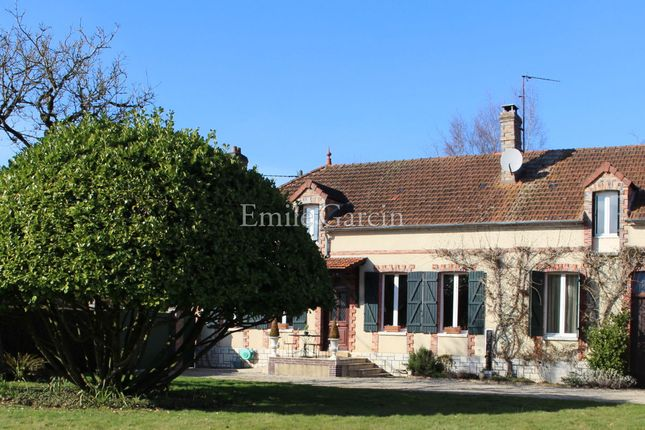 4 bed property for sale in 89150, Saint Valerien, France