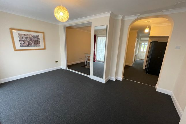 Thumbnail Semi-detached house to rent in Constable Gardens, Queensbury