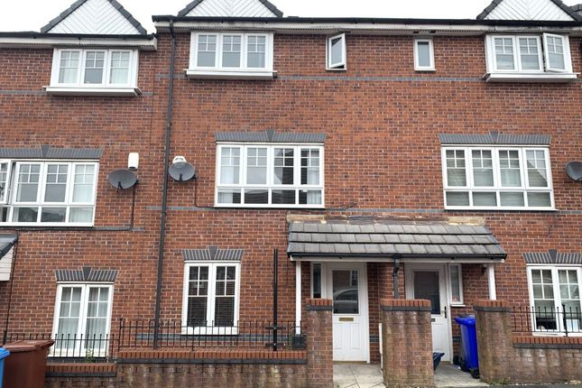 Thumbnail Town house to rent in Kilmaine Avenue, Blackley, Manchester