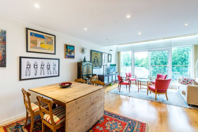 Thumbnail Maisonette for sale in Palmers Road, Bethnal Green