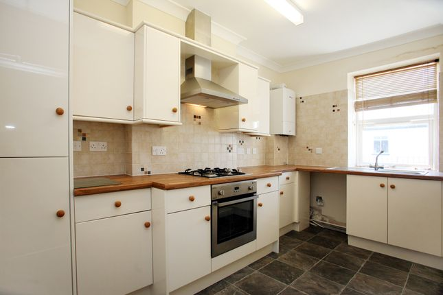Thumbnail Flat to rent in Leg 'o' Mutton, Yelverton